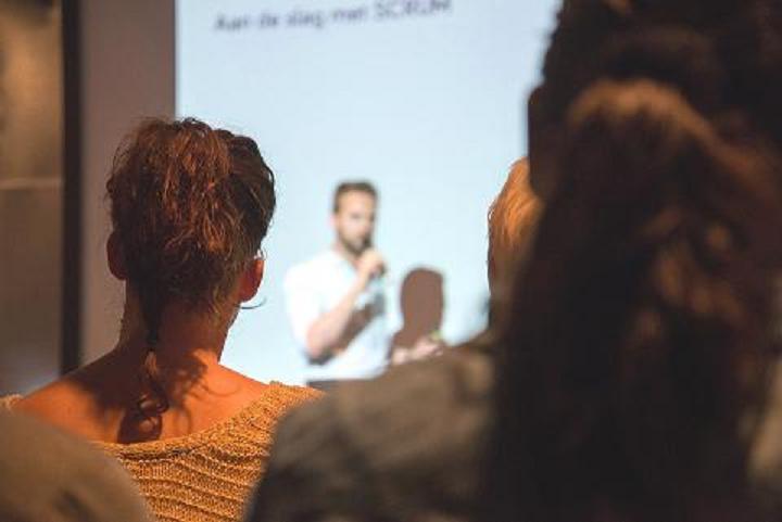 Tres de cada cuatro personas sufren ansiedad al hablar en público