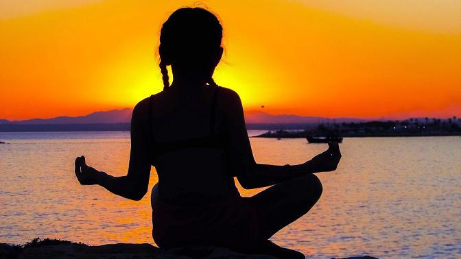Beneficios del yoga para los niños y niñas en edad escolar